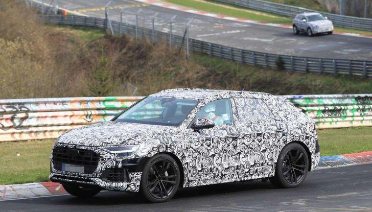 Audi Q8: i test drive del SUV proseguono al Nurburgring - Foto 3 di 8