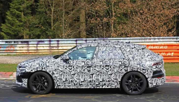 Audi Q8: i test drive del SUV proseguono al Nurburgring - Foto 6 di 8