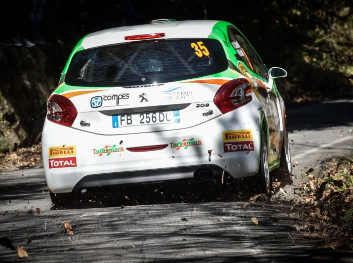 Luca Bottarelli in testa al Peugeot Competition TOP 208 - Foto 4 di 6