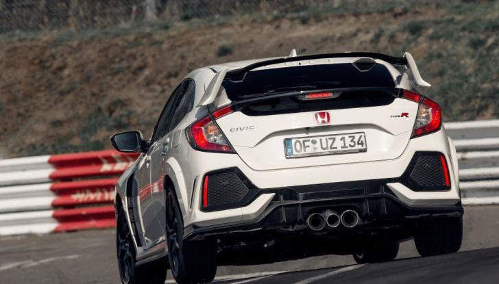 Honda Civic Type R 2017, record di categoria al Nurburgring in 7:43.8 - Foto 18 di 27