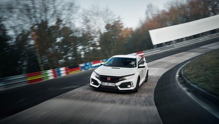 Honda Civic Type R 2017, record di categoria al Nurburgring in 7:43.8 - Foto 26 di 27