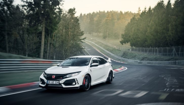 Honda Civic Type R 2017, record di categoria al Nurburgring in 7:43.8 - Foto 6 di 27