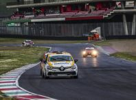 Clio Cup Italia Press League: Infomotori sul secondo gradino del podio!