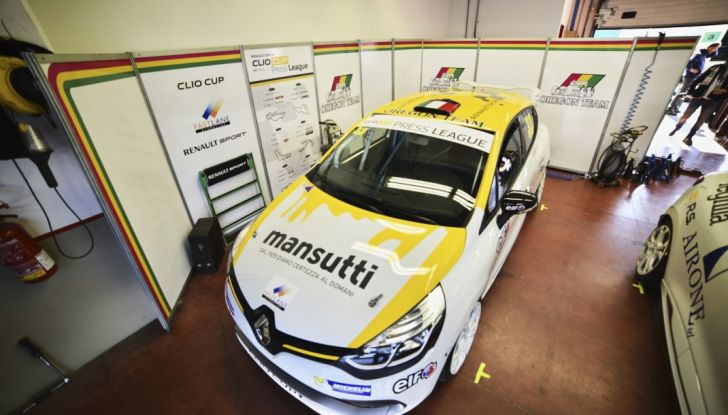 Renault Clio Cup 2018, dopo la vittoria 2017 Infomotori torna in pista alla Press League - Foto 28 di 32