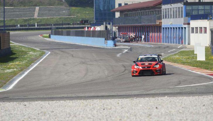 Seat Leon Cupra ST provata in pista a Franciacorta - Foto 53 di 57