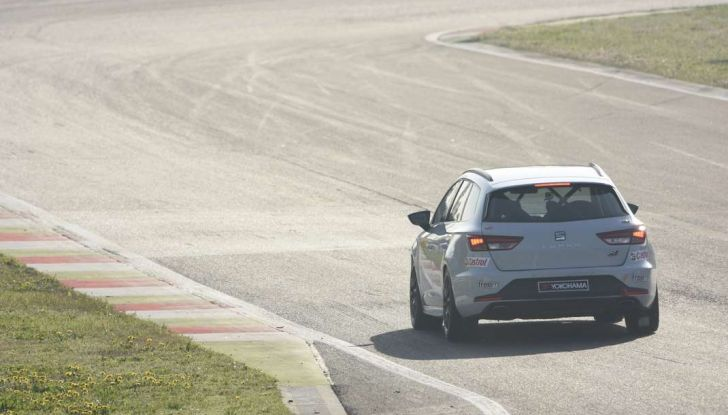 Seat Leon Cupra ST provata in pista a Franciacorta - Foto 52 di 57