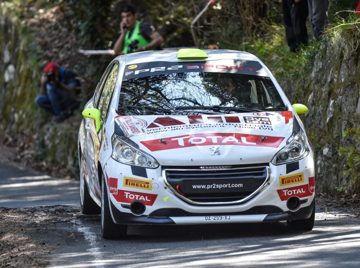 Luca Bottarelli in testa al Peugeot Competition TOP 208 - Foto 3 di 6