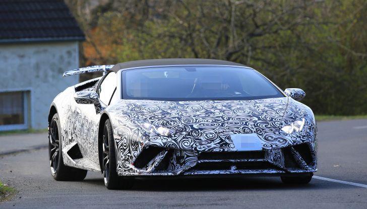 Lamborghini Huracan Spyder, la versione Performante da 640CV - Foto 2 di 14