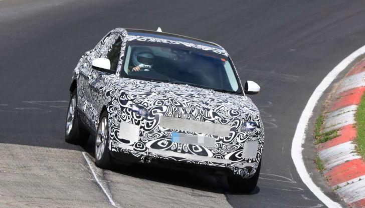 Jaguar E-Pace 2018, prime immagini spia dei test dinamici - Foto 4 di 13