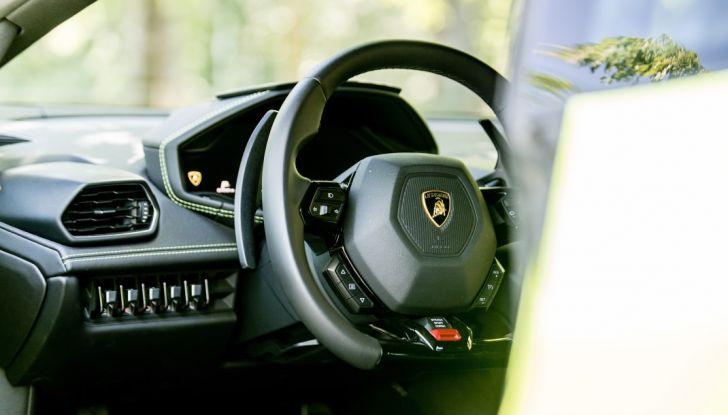 Lamborghini Huracán LP 640-4: La nostra prova su strada - Foto 13 di 19