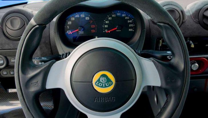 Lotus Exige Cup 380, stradale  da corsa in edizione limitata - Foto 11 di 12