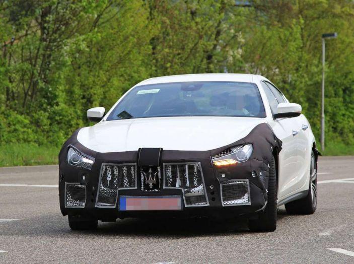 Maserati Ghibli Facelift 2018, prime foto spia e dettagli - Foto 2 di 9