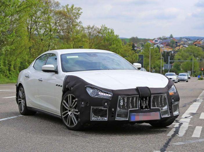 Maserati Ghibli Facelift 2018, prime foto spia e dettagli - Foto 1 di 9