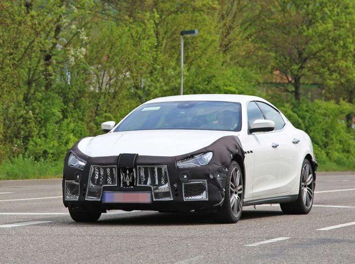 Maserati Ghibli Facelift 2018, prime foto spia e dettagli - Foto 9 di 9