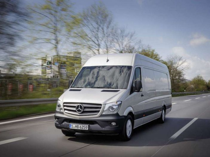 Nuovo Mercedes-Benz Sprinter: più efficienza, sicurezza e comfort - Foto 2 di 8