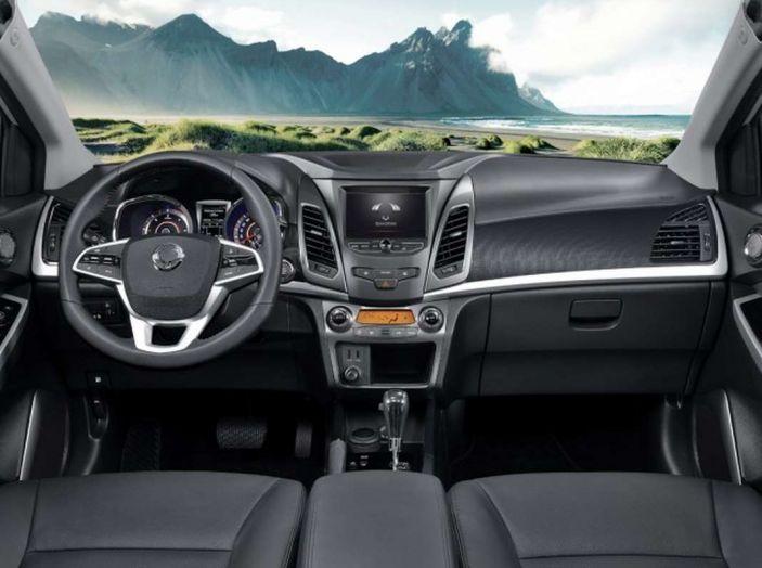 SsangYong Korando restyling, il SUV aggiornato con prezzi da 17.950 euro - Foto 5 di 11