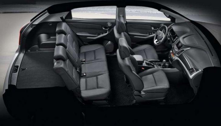 SsangYong Korando restyling, il SUV aggiornato con prezzi da 17.950 euro - Foto 6 di 11