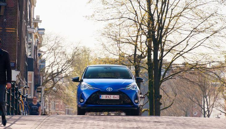 Nuova Toyota Yaris Hybrid 2017: prova su strada, consumi e prestazioni - Foto 7 di 25