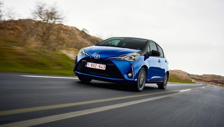 Nuova Toyota Yaris Hybrid 2017: prova su strada, consumi e prestazioni - Foto 1 di 25