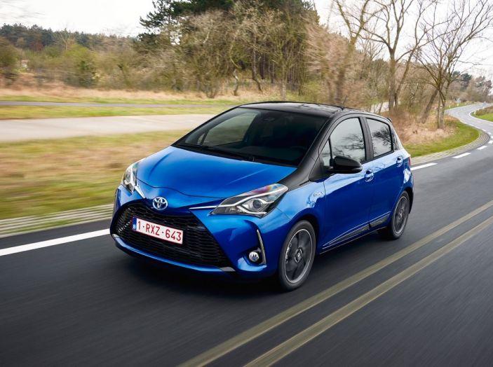 Nuova Toyota Yaris Hybrid 2017: prova su strada, consumi e prestazioni - Foto 10 di 25