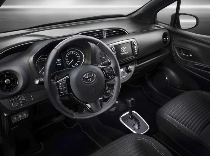Nuova Toyota Yaris Hybrid 2017: prova su strada, consumi e prestazioni - Foto 15 di 25