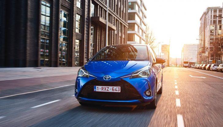Nuova Toyota Yaris Hybrid 2017: prova su strada, consumi e prestazioni - Foto 24 di 25