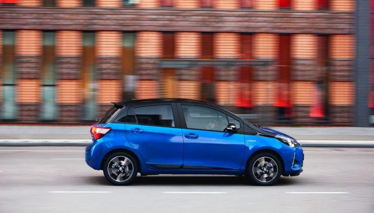 Nuova Toyota Yaris Hybrid 2017: prova su strada, consumi e prestazioni - Foto 3 di 25