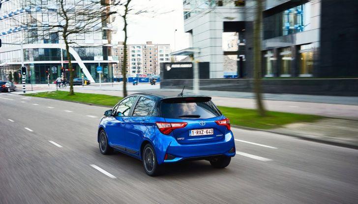 Nuova Toyota Yaris Hybrid 2017: prova su strada, consumi e prestazioni - Foto 5 di 25