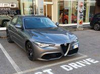 Alfa Romeo Giulia Veloce: prova su strada e impressioni di guida