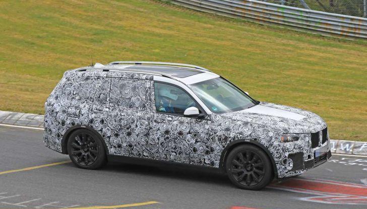 BMW X7 prime immagini spia e dettagli del nuovo SUV di lusso - Foto 10 di 15
