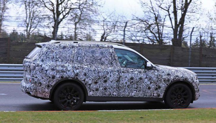 BMW X7 prime immagini spia e dettagli del nuovo SUV di lusso - Foto 5 di 15
