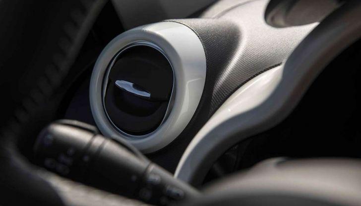 Prova su strada nuova Renault Twingo 2017: agile, furba ed economica - Foto 10 di 10