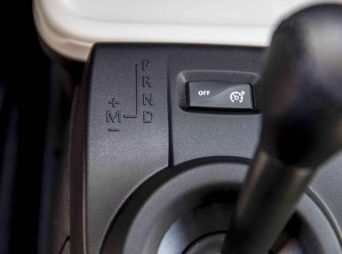 Prova su strada nuova Renault Twingo 2017: agile, furba ed economica - Foto 9 di 10