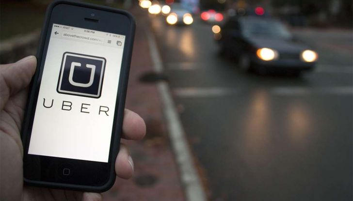 Uber, brevetto per capire se chi prenota la corsa è ubriaco - Foto 1 di 7