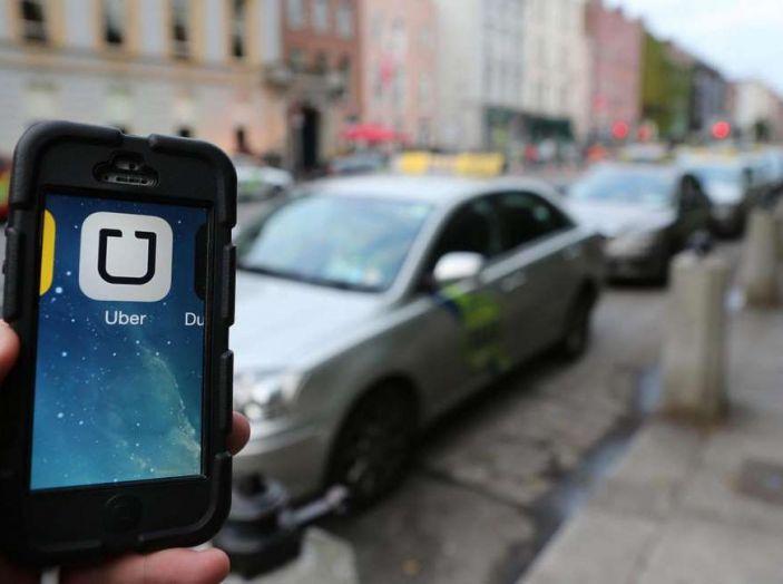 Auto a guida autonoma di Uber uccide una donna, stop ai test - Foto 4 di 7