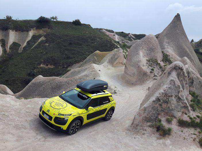 Citroën Avventura Gialla 2017: la C4 Cactus nella selvaggia Cappadocia - Foto 1 di 5