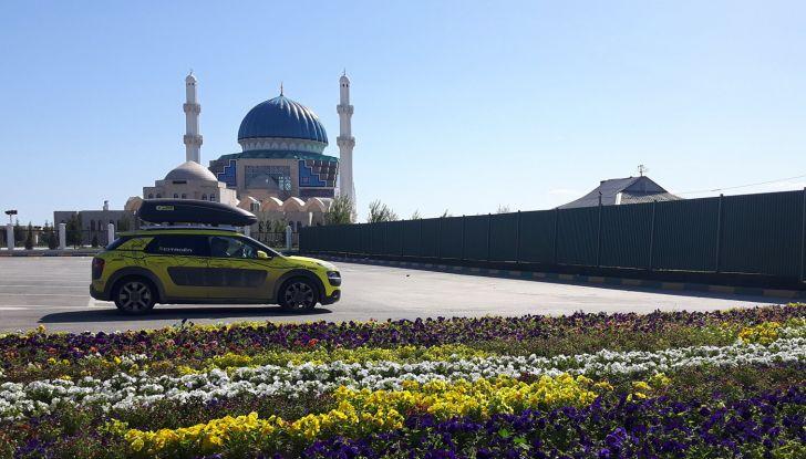 Citroën Avventura Gialla: la C4 Cactus si dirige verso il Kirghizistan - Foto 1 di 6