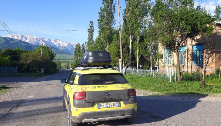 Citroën Avventura Gialla 2017: la C4 Cactus attraversa il Kirghizistan - Foto 2 di 5