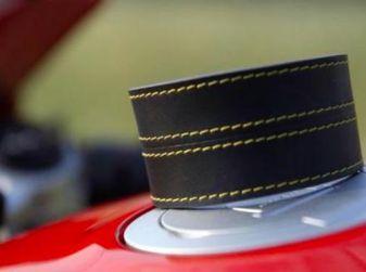 Il braccialetto che segnala gli autovelox: ecco come funziona