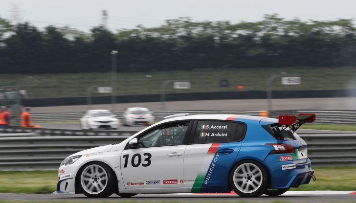 Debutto positivo per Stefano Accorsi e la Peugeot 308 Racing Cup - Foto 3 di 4