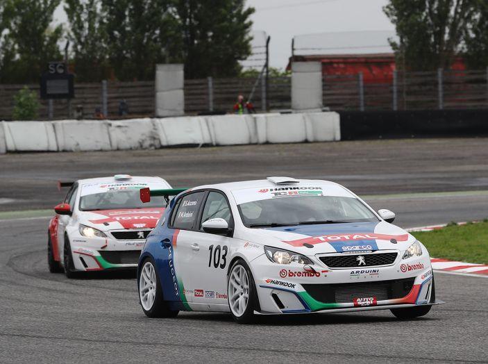 Debutto positivo per Stefano Accorsi e la Peugeot 308 Racing Cup - Foto 2 di 4