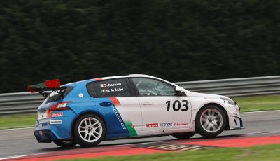 Debutto positivo per Stefano Accorsi e la Peugeot 308 Racing Cup