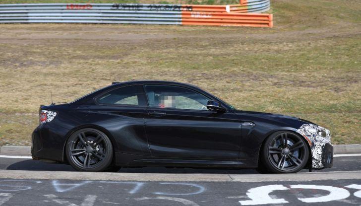 BMW M2 Facelift 2018 prime foto spia - Foto 13 di 14