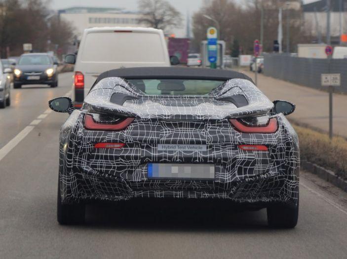 BMW i8 Spyder, prime immagini spia della cabrio tedesca - Foto 13 di 26