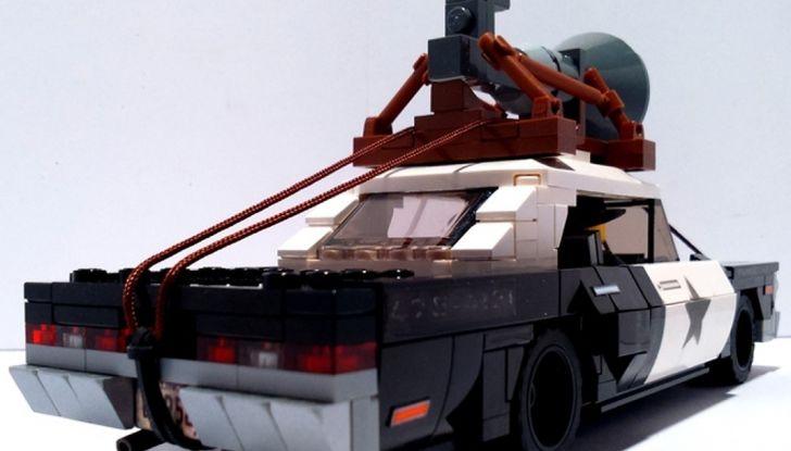 La BluesMobile di Lego: in arrivo l'auto di Jake ed Elwood - Foto 3 di 12