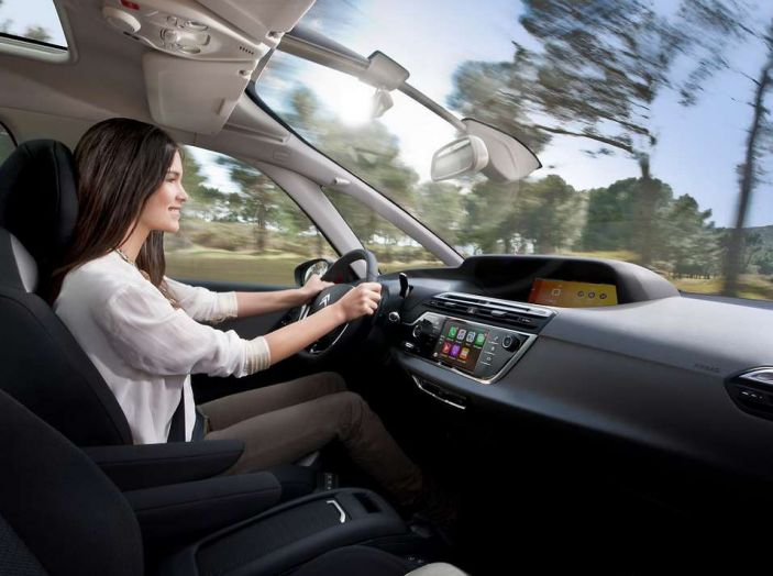 Citroën e il sistema di sorveglianza dell'angolo morto - Foto 2 di 15