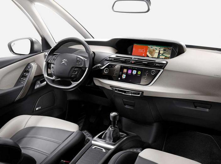 Citroën e il sistema di sorveglianza dell'angolo morto - Foto 3 di 15
