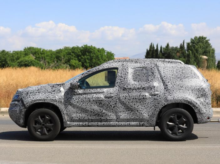 Dacia Duster 2019: linee più imponenti per la seconda serie - Foto 8 di 13