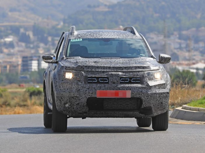 Dacia Duster 2019: linee più imponenti per la seconda serie - Foto 13 di 13