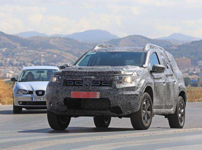 Dacia Duster 2019: linee più imponenti per la seconda serie - Foto 1 di 13